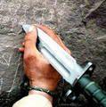 Collectionneur de couteaux militaires, pliants modernes, pince outils et autres couteaux industriels.
