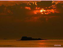 notre beau soleil se couche à St Malo