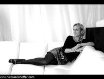 Sandrine Bonnaire face à la mer