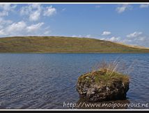 La Godivelle - le gros rocher du lac d'en bas (63) ...