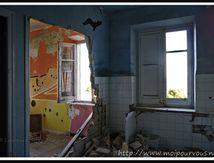 Espagne - Chercher l'hirondelle ou la chauve souris sur le mur ...