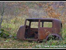 La vieille voiture qui a trop réveillonné ...