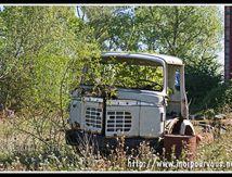 Vieille épave de camion Berliet ...