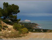Peñiscola vu du chemin qui va à la Torre Badum ...
