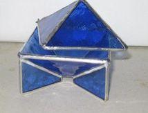 Boîte pyramide en vitrail