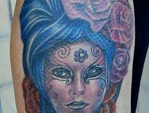 tatouage masque vénitien