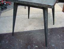 TABLE TOLIX (VENDUE)