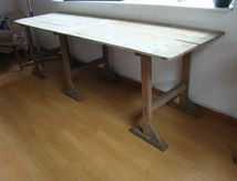 TABLE INDUSTRIELLE (VENDUE)