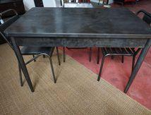 TABLE INDUSTRIELLE (VENDUE)
