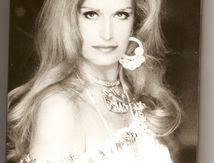 Dalida une vie volume 6.De Tico Tico et dalida raconte ses débuts à Dalida pour toujours et Les Oscars en 1974 . Les années 1976 à 1980
