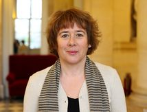 Laurence Abeille dépose une proposition de loi pour l'interdiction de la corrida aux mineurs - CRAC Europe