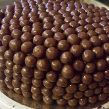 GATEAU MULTI COUCHES AUX MALTESERS