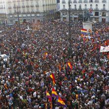 Manifestaciones en toda España para elegir entre monarquía o república
