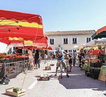 Visite au marché de St André les Alpes et le nouveau magasin « Le petit bonheur »