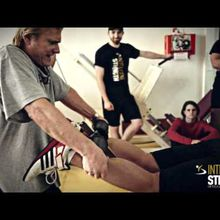 Tom Platz Teaches This Guy How To Lift Legs & He Screams In Pain