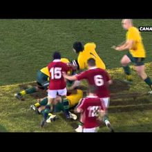 La combat de catch entre Folau et North