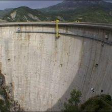 Le Lac de Castillon et son cadran solaire gigantesque
