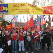 PHOTOS BEZIERS MANIF OCCITANE 2007
