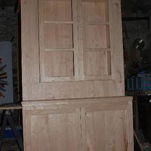 Fabrication du meuble vaisselier avec la participation de ma stagiaire