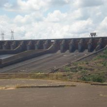 Itaipu : entre production et protection