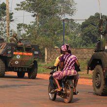 CENTRAFRIQUE : UNE DIZAINE DE BLINDÉS FRANçAIS DEVANT L'AÉROPORT DE BANGUI