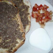 Pizzas syrienne (larmé adjine)