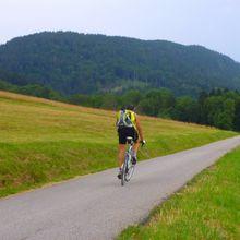 Vélo marche au Parmelan : c'est la saison.