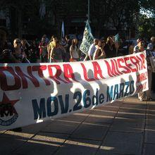 Las mujeres uruguayas celebraron el 8 de con una protesta contra del gobierno. Comunicación Telefónica de Cx 36 con El Polvorín