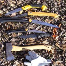 comparatifs rapides : scies, hachette et couteaux de camps