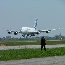 Salon du Bourget 2013: l'industrie aéronautique est-elle un modèle durable ?