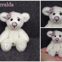 Esmeralda, ours d'artiste miniature