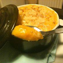 Velouté de potiron gratiné au parmesan, emmental et graines de césames