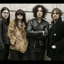 [Bass Tab] 'Rolling in on a burning tire' - The Dead Weather