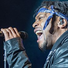 """""""D'Angelo review: from lover man to showman""""..."""