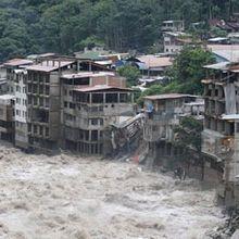 Gobierno peruano rescata primero a los ricos de los derrumbes en Cuzco