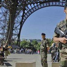 Terrorisme : Près de 10.000 militaires seront mobilisés pour la « sécurité des points sensibles »