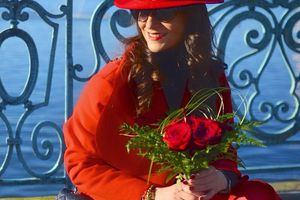 #Happy #valentinesday ❤️🌹❤️ .  #love #red #rojo #passion #rouge #lipstick #girl #love #amenapih #hipanema #hat #roses @amenapih  www.sofrench.pro