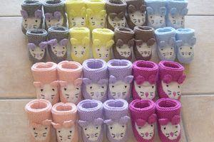 Petits chaussons de laine pour Bébé faits main