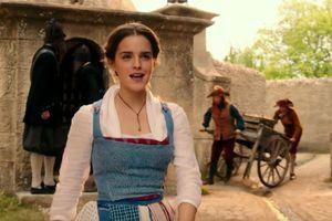 La Belle et La Bête : Emma Watson resplendissante dans ce nouvel extrait chantant