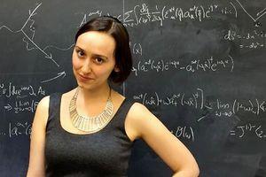 """Rencontrez Sabrina Pasterski, une jeune physicienne que l'on surnomme déjà """"la nouvelle Einstein"""""""