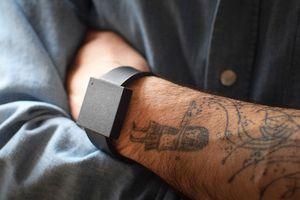 Ce bracelet vous permet de ressentir les basses de votre musique : une expérience d'écoute unique