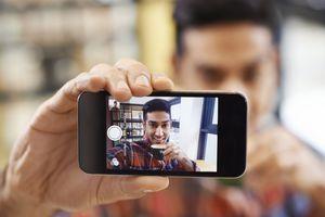 Le selfie, un dédale monstrueux