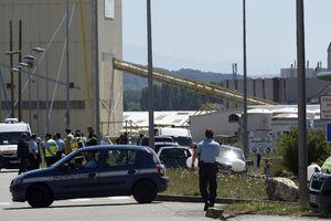 Attentat en Isère: le suspect a envoyé un selfie avec la tête de sa victime