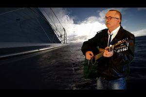 La mer est immense chanson de Graeme Allwright...