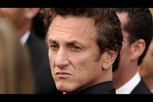 """Sean Penn: """"Voglio ringraziare Bush e Cheney per aver creato l'Isis"""""""