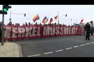 En direct de Berlin, la manifestation anti Merkel, anti immigration, anti islam !