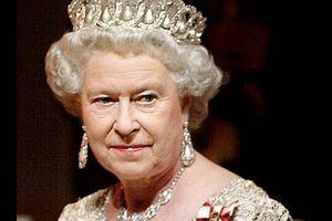 Perchè la regina teme una nuova guerra mondiale?