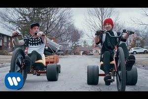 Twenty One Pilots - Stressed Out