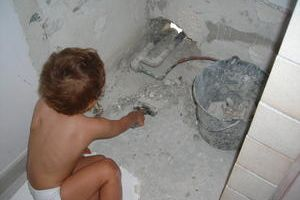 La relève est assurée ! Les enfants et l'autoconstruction...