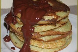 E.T manger Pancakes ... Des Pancakes à la Pistache